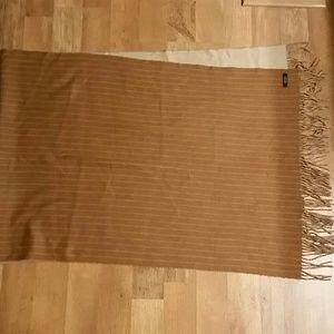 Reversible cashmere wrap/stole